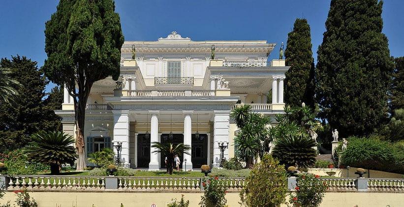 Дворец Achilleion в окрестностях Керкиры