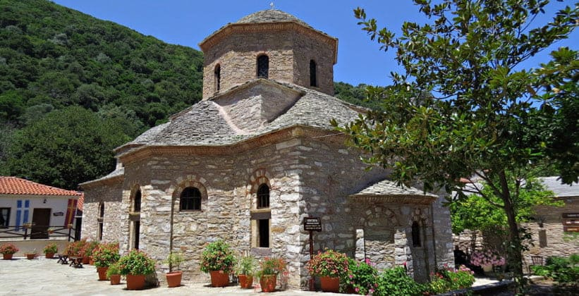 Монастырь Эвангелистрияс на острове Скиатос