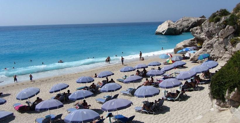 Пляж Kathisma на острове Лефкада (Греция)