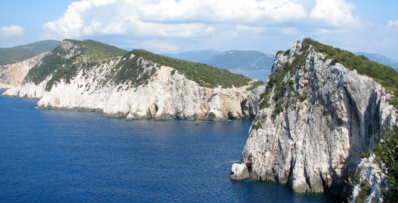 Скалы Kap Ducato на острове Лефкада (Греция)