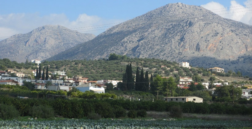 Деревня Микинес в Греции