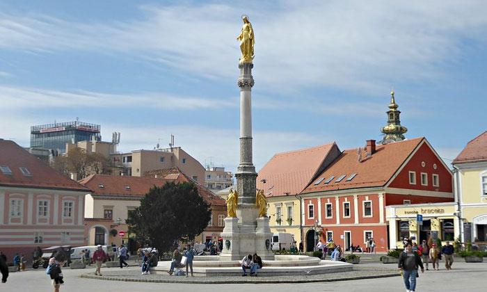 Колонна Девы Марии в Загребе