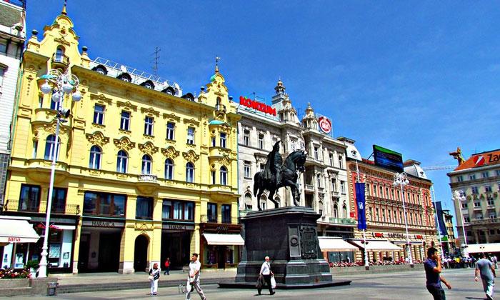 Площадь Бана Елачича в Загребе
