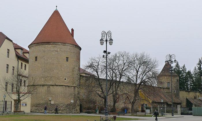 Стены старого города Загреба