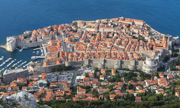 Панорама городских стен Дубровника