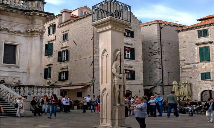 Колонна Орландо в Дубровнике