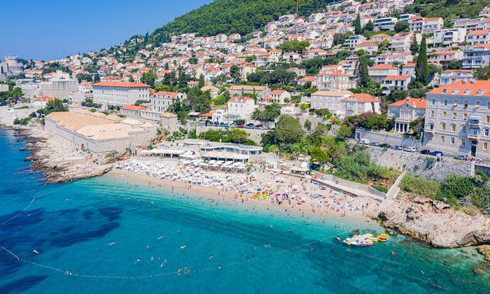 Пляж «Banje» в Дубровнике