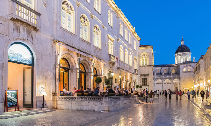 Ресторан «Gradska Kavana Arsenal» в Дубровнике