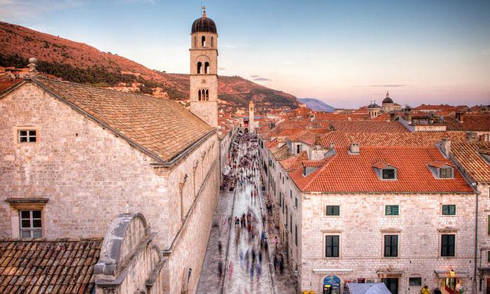 Вид на улицу Страдун Дубровника