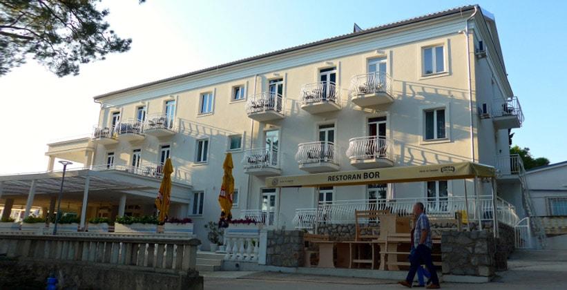 Отель Bor в городе Крк