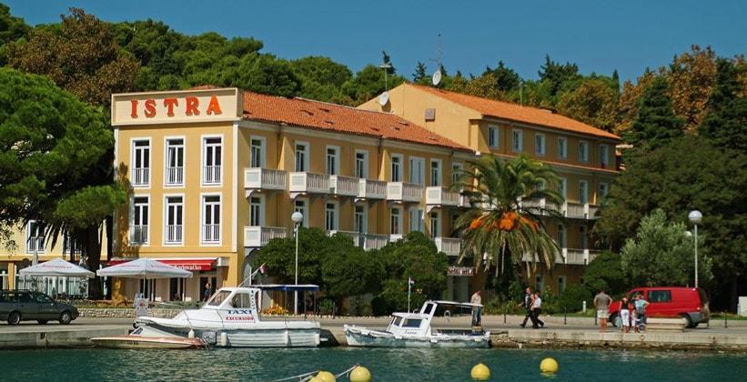 Отель Istra в городе Раб