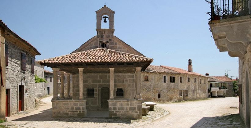 Церковь Божией Матери в деревне Грачишце (Хорватия)