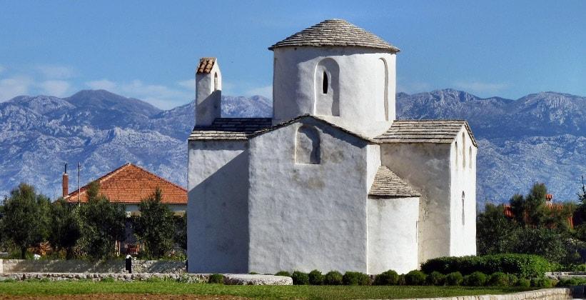 Церковь Святого Креста в Нине