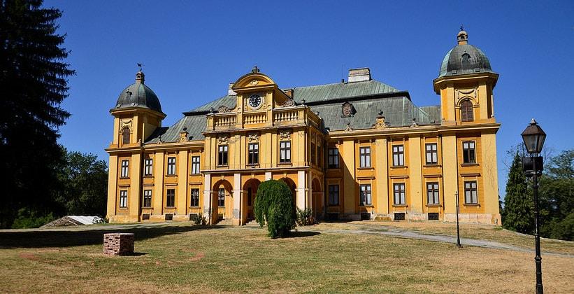 Дворец графов Пеячевичей в Нашице