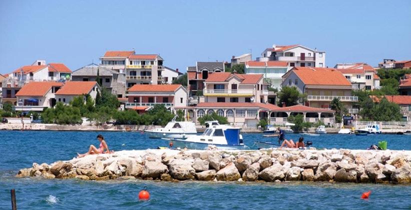 Деревня (курорт) Бродарица в Хорватии