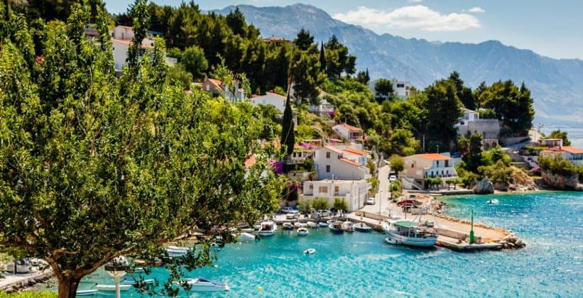 Деревня (курорт) Молунат в Хорватии