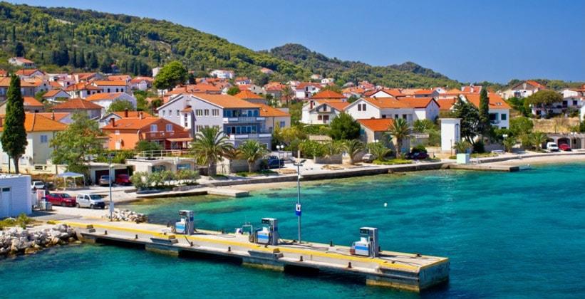 Деревня (курорт) Преко в Хорватии