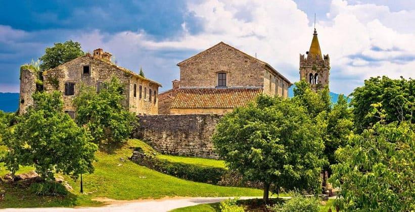 Город-крепость Хум в Хорватии
