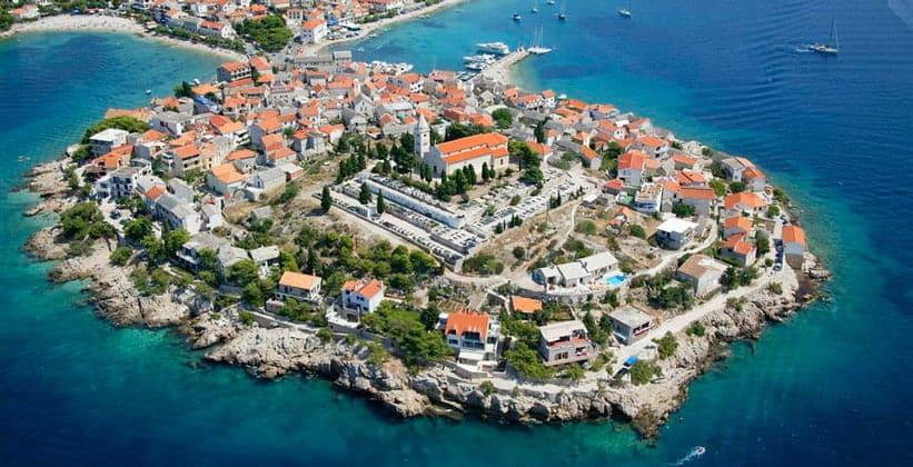 Город Примоштен в Хорватии