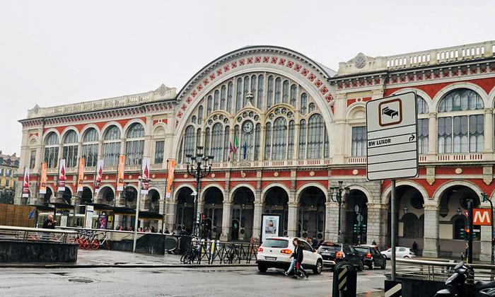 Железнодорожный вокзал Порта-Нуова в Турине