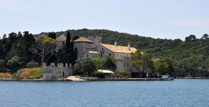 Монастырь Святой Марии на острове Млет (Хорватия)