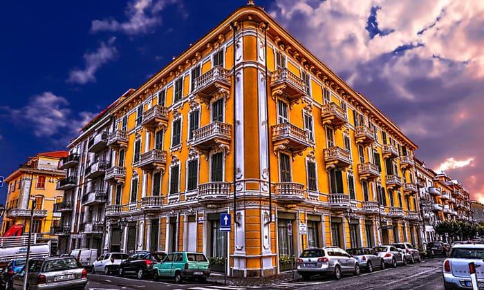 Отель Fiori в городе Алассио