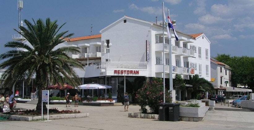 Отель Loza в городе Новаля (Хорватия)