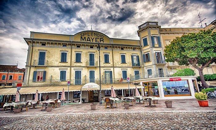 Отель Splendid Mayer в Дезенцано-дель-Гарда