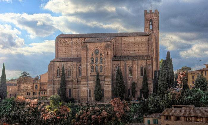 Базилика Святого Доминика в Сиене