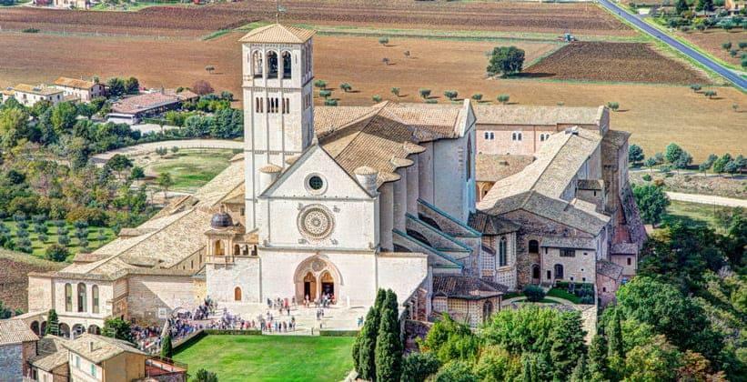Базилика Святого Франциска в Ассизи (Италия)