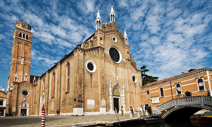 Церковь Санта-Мария Глориоза деи Фрари в Венеции