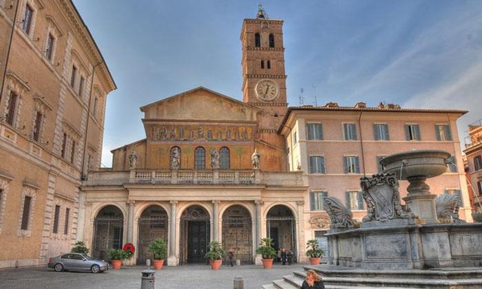 Церковь Санта-Мария ин Трастевере в Риме