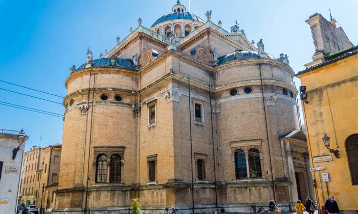 Церковь Санта-Мария-делла-Стекката в Парме