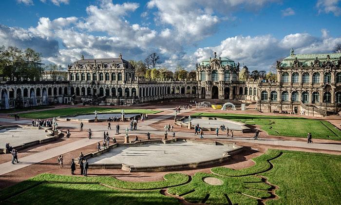 Дворцовые здания Цвингер (Дрезден)