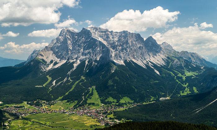 Гора Цугшпитце в Германии