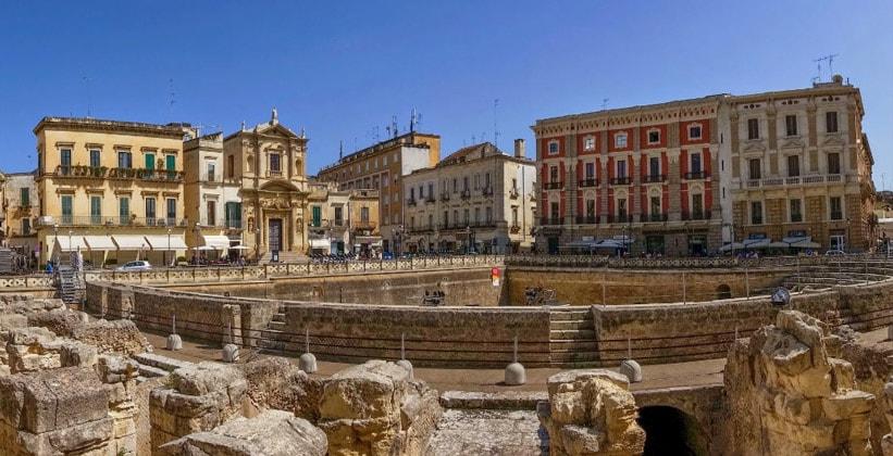 Город Лечче в Италии