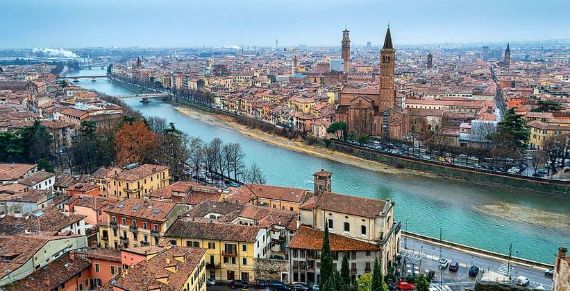 Город Верона в Италии