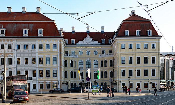 Гранд-отель «Taschenbergpalais» в Дрездене