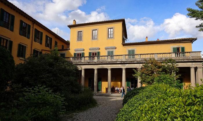 Хостел Youth (вилла Camerata) во Флоренции