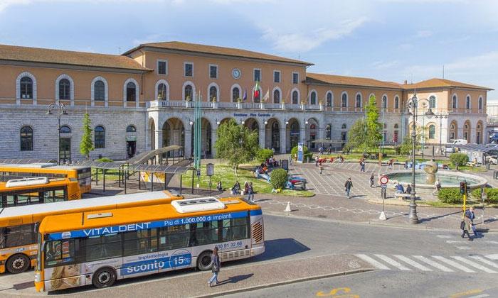 Центральный железнодорожный вокзал Пизы