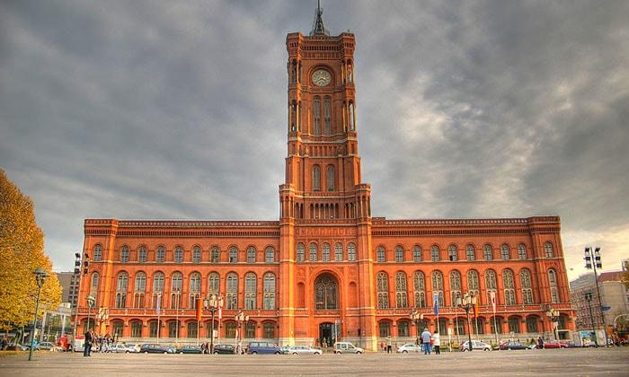 Красная ратуша Берлина
