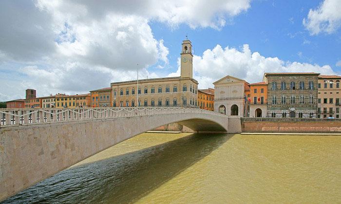 Мост Понте-ди-Меццо в Пизе