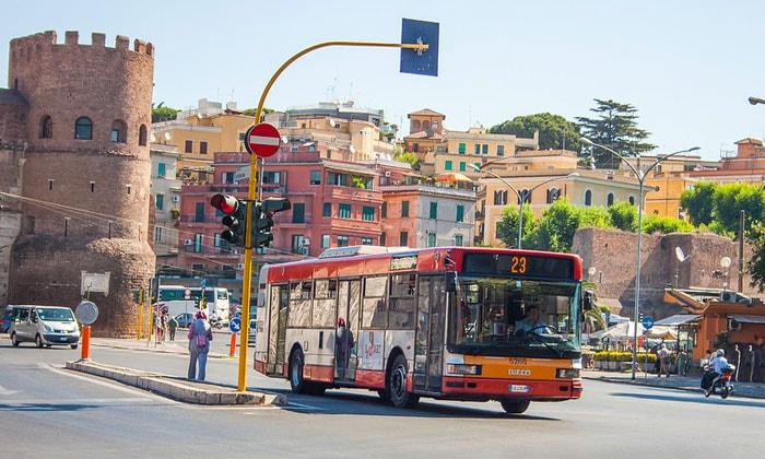Муниципальный автобус Рима