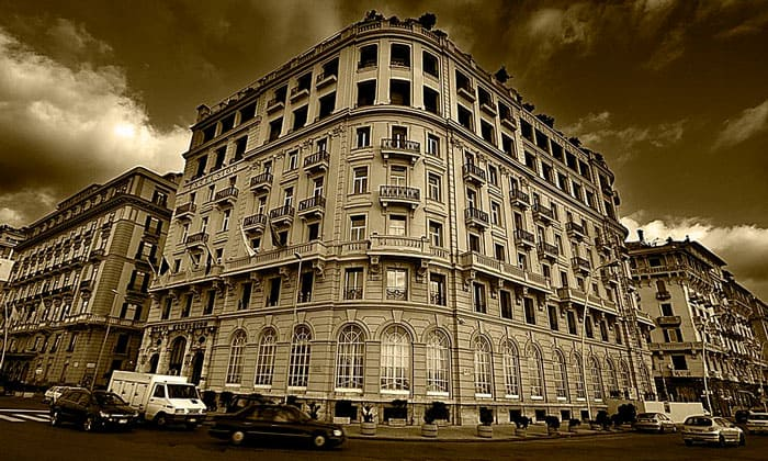 Отель Excelsior в Неаполе