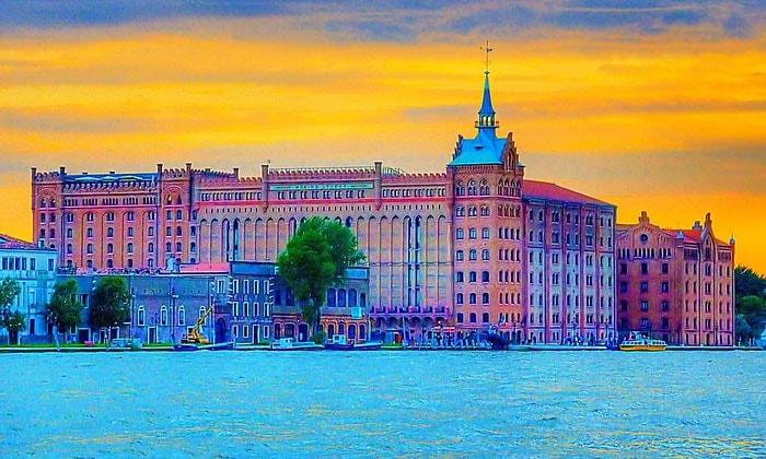 Отель Hilton Molino Stucky в Венеции
