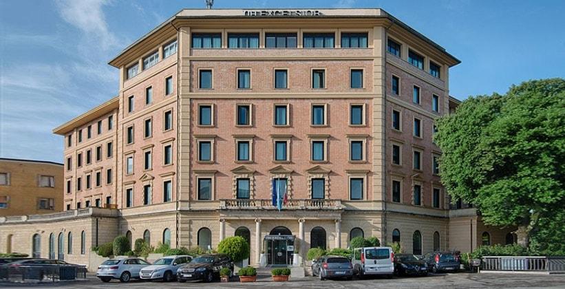 Отель NH Excelsior в Сиене