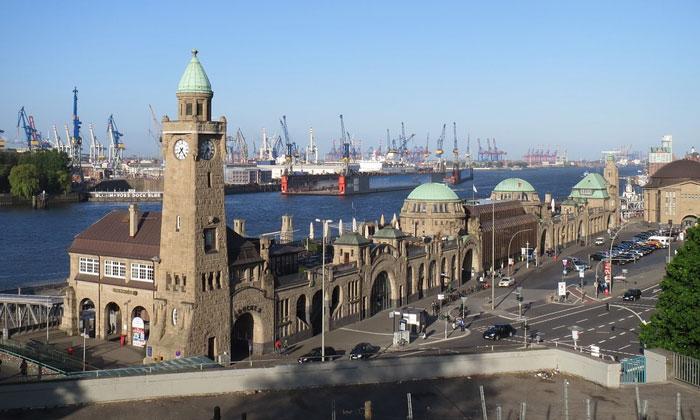 Пирс Санкт-Паули в Гамбурге