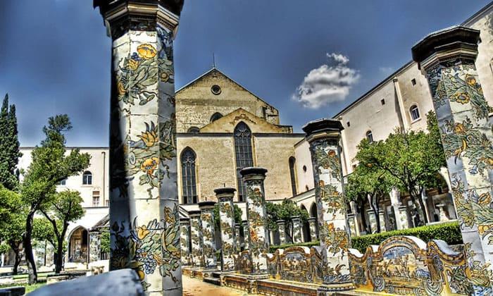 Религиозный комплекс Санта-Кьяра в Неаполе