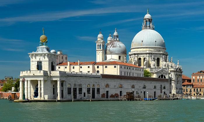 Церковь Санта-Мария делла Салюте в Венеции