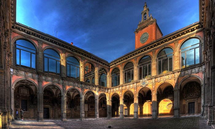 Университетский дворец Архигимназий в Болонье